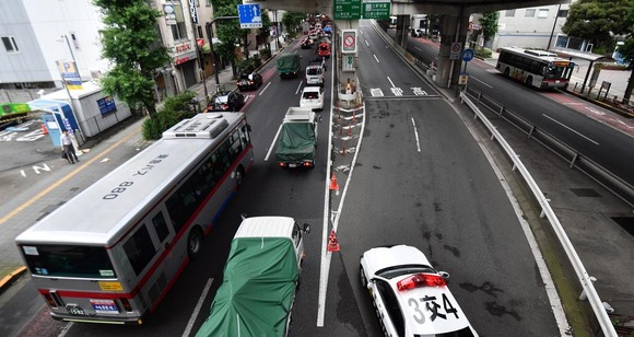 東京五輪組織委「首都高速の入り口封鎖して交通量30%減らすぞ」→7%しか減らず「今後の対策を検討する」