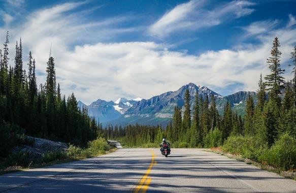 夏休みにバイクでアメリカ・カナダ一周旅行に行くんだけど車種は何がいいの?