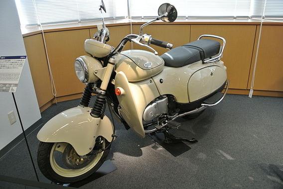 640px-Suzuki_SW-1_in_the_Suzuki_History_Museum