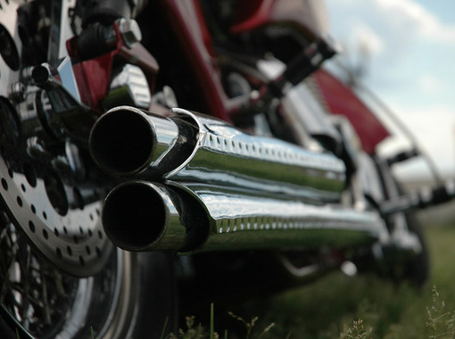 バイクの音が死ぬ程ストレスなんだけど解決策ある?
