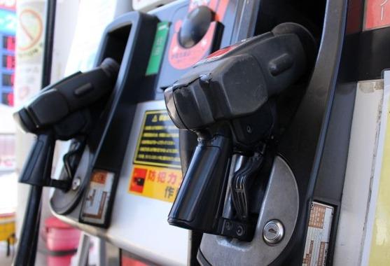 ガソリン、大型連休も高く。首都圏・近畿で1割高