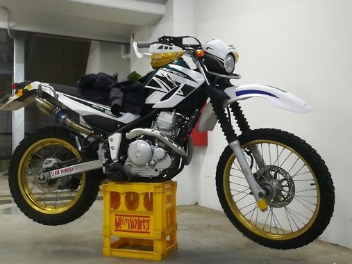【朗報】ワイのオフロードバイク、カッコよくなってしまう