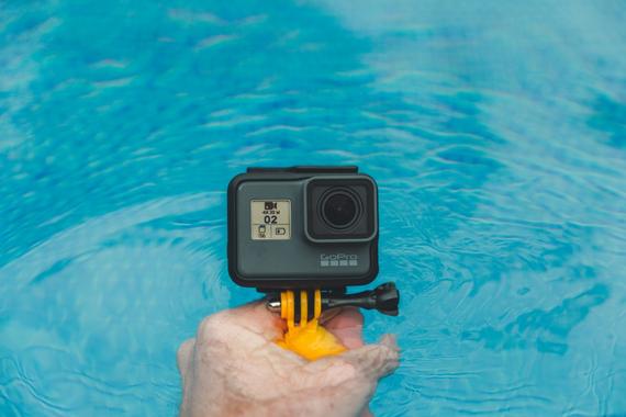 hand-water-camera