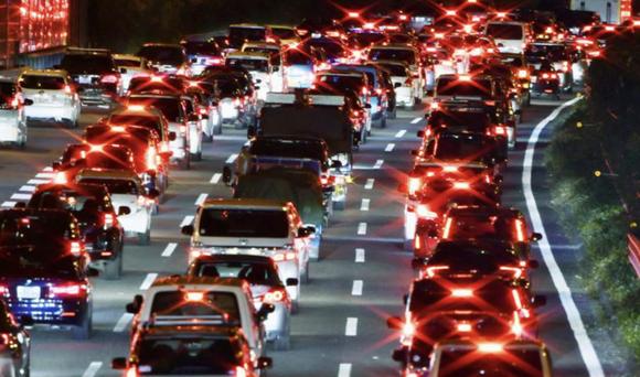 Uターンラッシュ始まる、高速道・新幹線一部で混雑