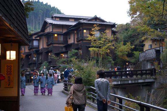 Kurokawa_Onsen_-温泉街