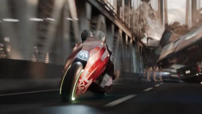 スピルバーグの映画にAKIRA風バイク出てるやん
