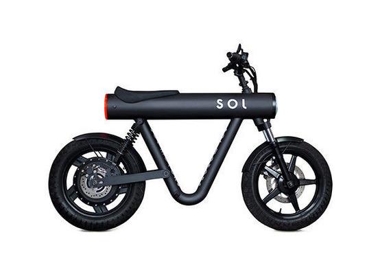ドイツ生まれの小型電動バイク「ポケット・ロケット」、最高速度80km/hで航続距離80km