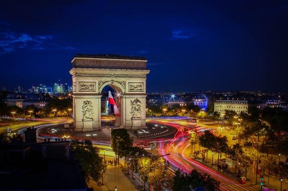 フランス、都市部の渋滞対策で「混雑課金」法案を検討中