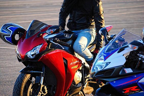 バイクで峠を全開で攻めてるのは完全にスポーツなんだけどなんで印象悪いの?