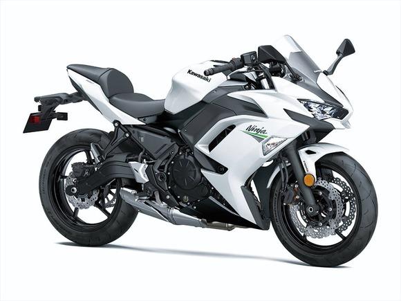 2020-ninja650-wh_03