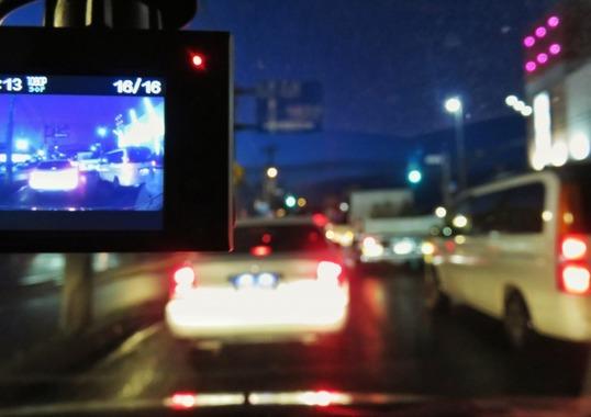 ドライブレコーダーの死角「SDカード」に要注意、録れてないトラブル増加のワケ