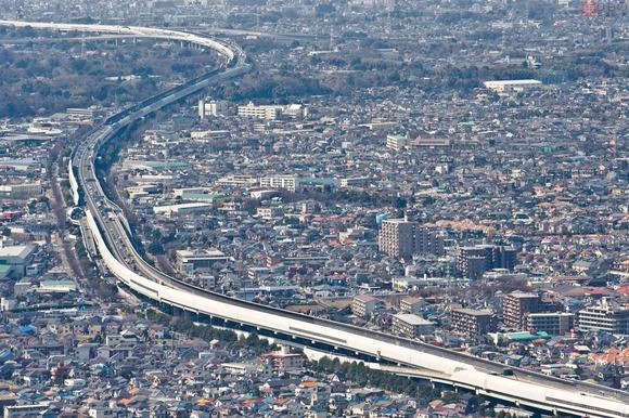 なぜ混む「外環道 埼玉区間」 千葉区間の延伸で渋滞激化 対策はあるのか?