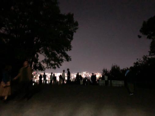 【悲報】一人で夜景みに来た結果wwwwwwwwwwwwww
