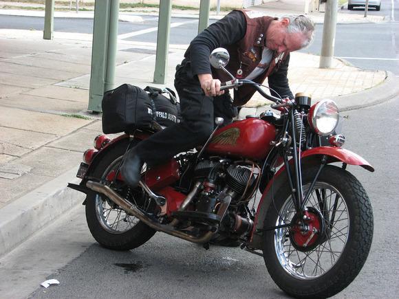 キックの無いバイクってエンジンかからなくなったらどうするの?