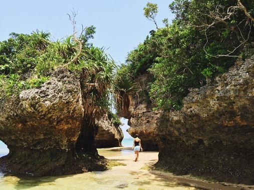 【悲報】沖縄の観光地、皆無な件…