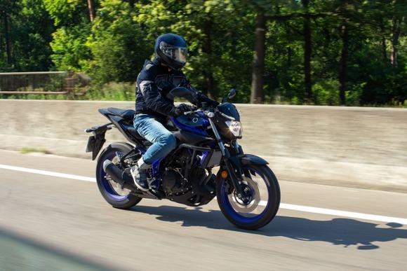 一人でバイクツーリングなら蜜回避だし出かけていいよね