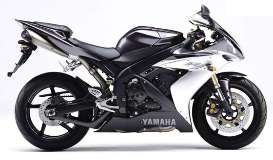 Yamaha R1 04  6