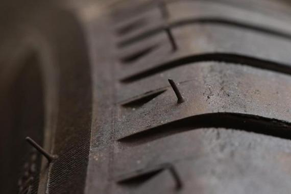 新品タイヤについてるチョビチョビってなんのためにあるの?