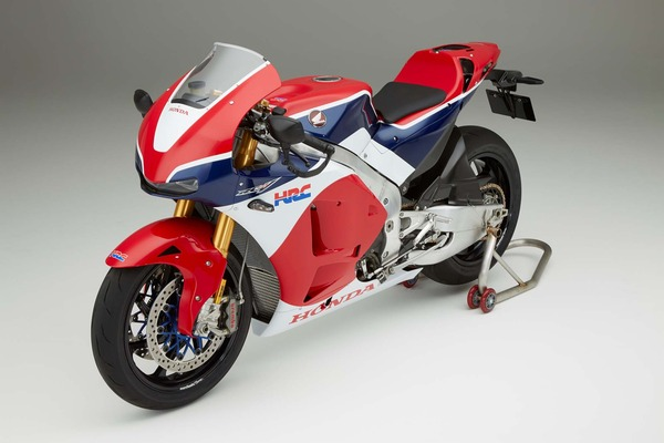 2016-Honda-RC213V-S-street-bike-07