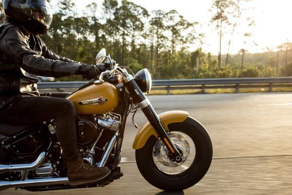 ハーレーに似てるバイク教えてくれ