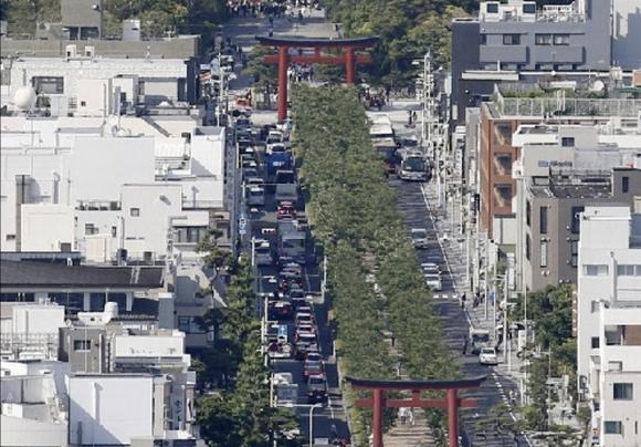 鎌倉市「車で訪れる観光客が多すぎる。通行料金を取りたい」