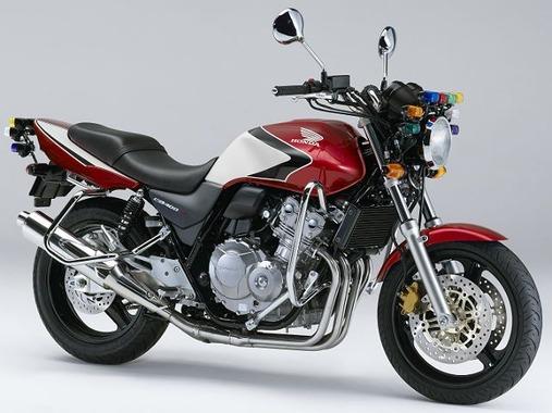 教習所の定番バイクはCB400SFだけどなんでコレなの?