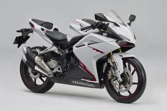 ホンダ、250ccスーパースポーツモデル「CBR250RR」に新色追加