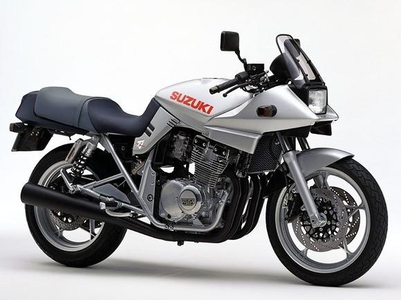 40万くらいで400ccのバイク買いたいんだけど