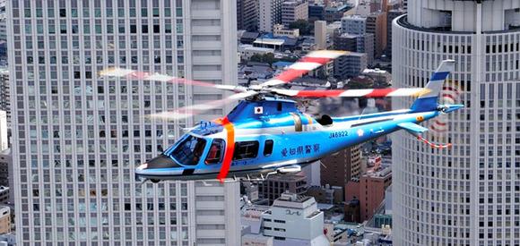 愛知県警「無謀バイクにヘリで対抗、死角でも逃しません!」