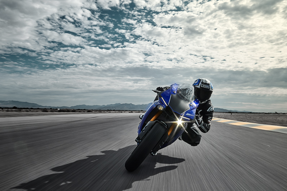 1000ccのSS1台目のバイクにするのってまずい?