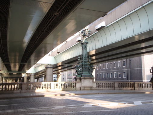 日本橋の首都高速、東京駅北から約1キロを地下に