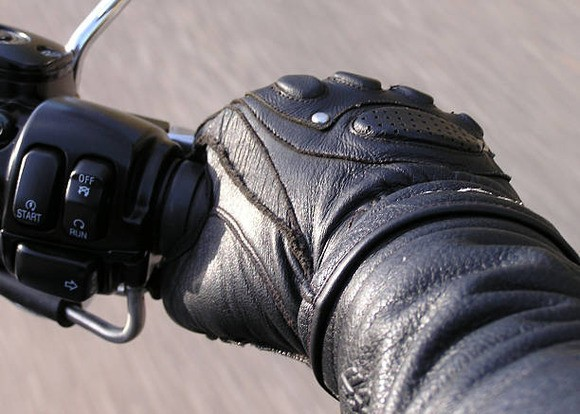 バイクで一番難しいのはアクセル操作じゃないか?