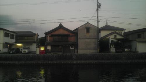 fba49f05.jpg