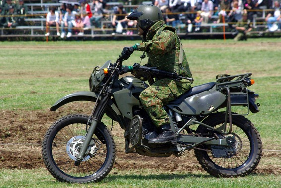 自衛隊のとか軍人のバイクかっこよすぎねえ?