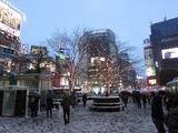 大雪の日の渋谷ハチ公前にて