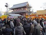 正月過ぎても浅草寺はこんなです。
