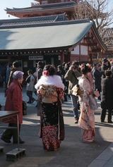 2014成人の日の浅草寺にて