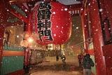 吹雪の雷門:台東区浅草にて