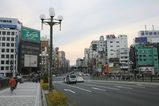 JR四谷駅前にて