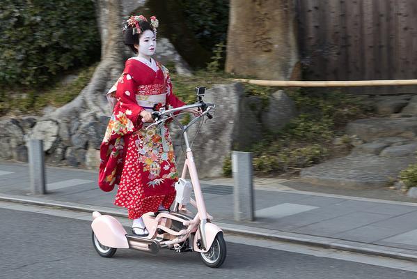 京都】不思議マシンで疾走する舞...