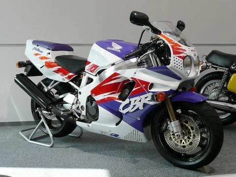 Honda_CBR900RR_Fireblade_1992,jpg
