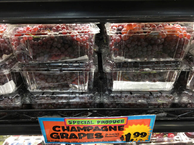 Champagne Grapes 🍇 | TRADER JOE'S (トレーダージョーズ)