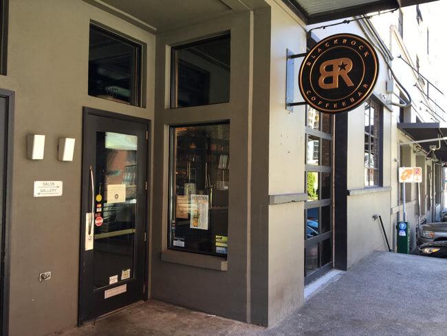 店の外観 | Black Rock Coffee Bar (ブラックロックコーヒーバー) | Portland