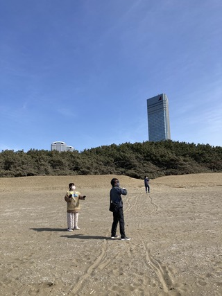 20210227 J2開幕直前幕張の浜で凧揚げ2