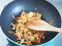 豚キムチ炒り豆腐工程2