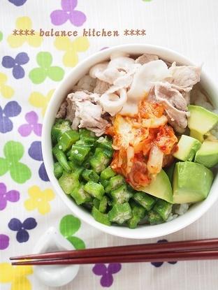 夏の豚キムチ丼2