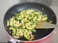 ゴーヤのツナ味噌炒め工程2