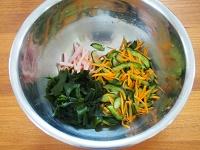 きゅうりとわかめの中華風サラダ工程1