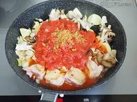 鶏肉となすのトマト煮工程3