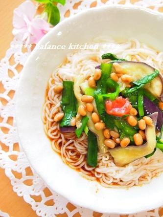 レンジ蒸しナスのニラ納豆和え素麺